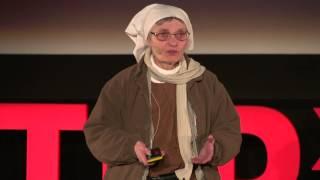 O łataniu rzeczywistości: Siostra Małgorzata Chmielewska at TEDxWarsaw