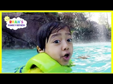 Kids Playtime at the Pool! Family Fun Vacation at Universal Studio Resort Hotel