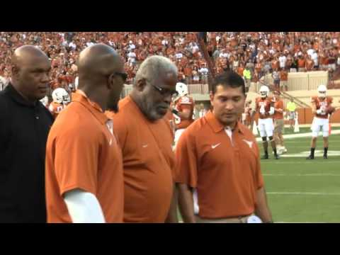 Earl Campbell steps out [Sept. 8, 2012]