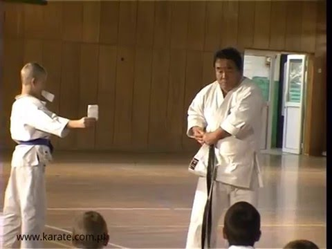 Fumio Demura uses belt as nunchaku | Legendary Budo Masters