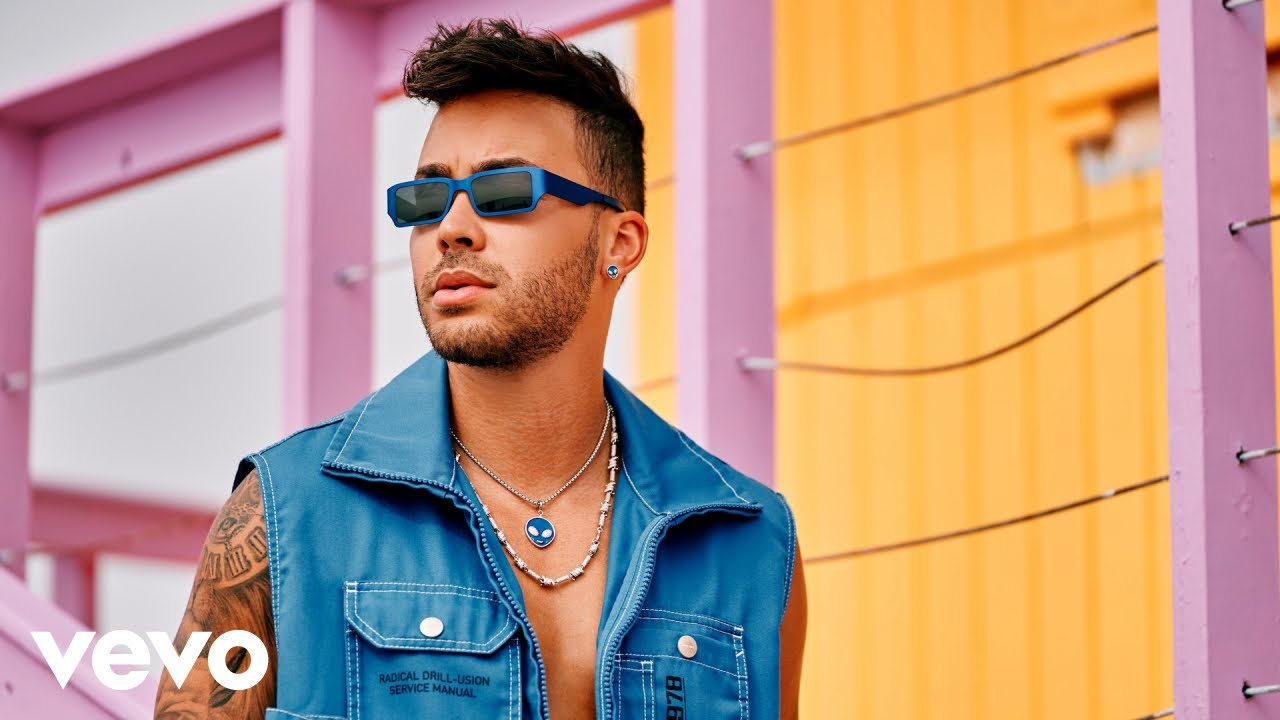 Download Prince Royce - Lao' a Lao' (Official Video)