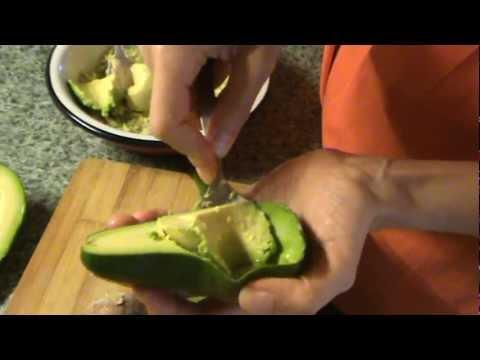 Как выбирать и чистить авокадо