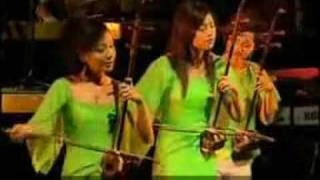Play Tang Court Ensemble