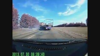 Приколы с грузовиками и поучительные случаи на дорогах! Бешеные грузовики!