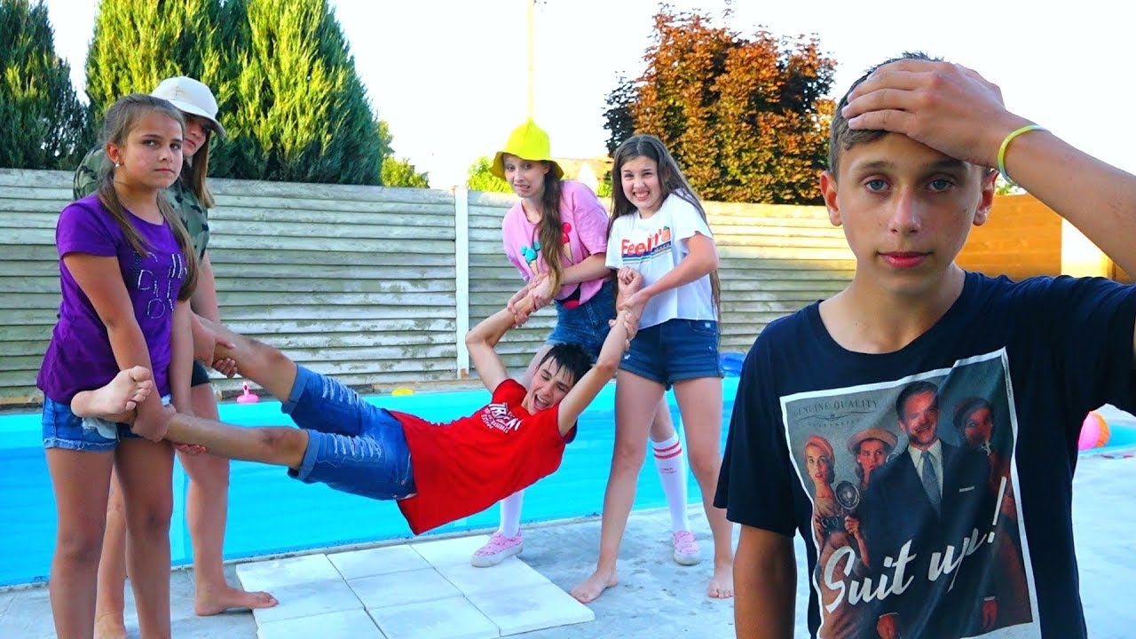 eblya-zhenoy-v-basseyne-odni-babi-video