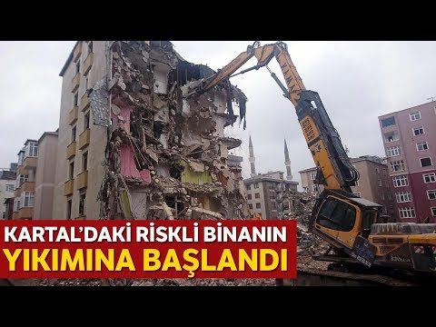 Kartal'daki Riskli Binanın Yıkımına Başlandı