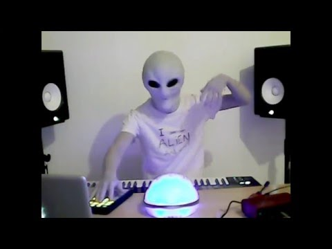 An alien playing music (Progressive Trance) by GRAViiTY