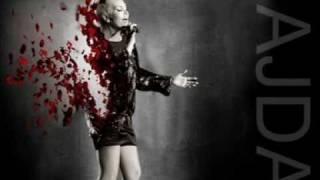Ajda Pekkan - Sarıl Bana