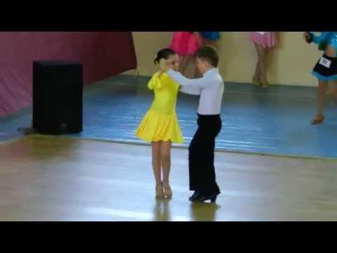 Cha cha cha. Kids Latin American dances.