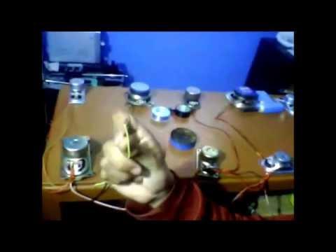 Como conectar varios parlantes a un amplificador usando la ley de ohm