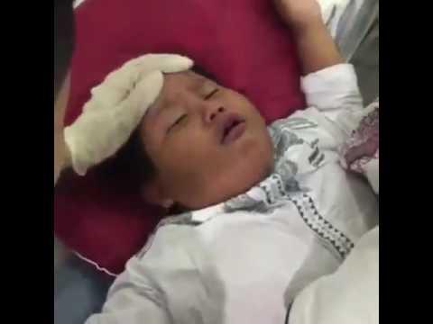 Lucu!! Anak kecil yang pura-pira pingsan dan di tampar oleh ayahnya
