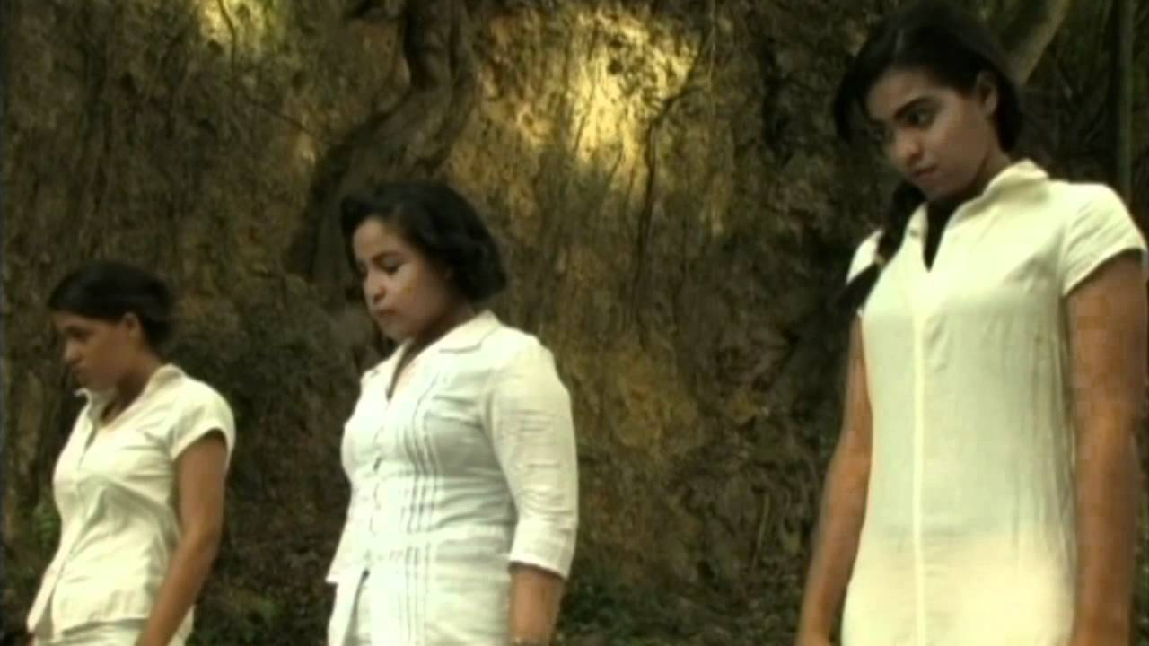 Gran amor y atraccin de dos hermanas - Porno Gratis 19