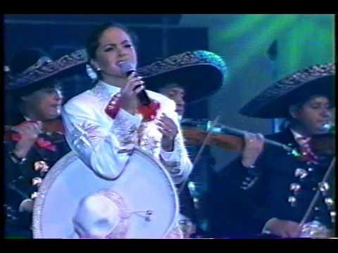 lucero-y-volvere-noviadeamerica-1485105947