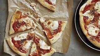 Пицца с розмарином и моцареллой. Рецепт  от Гордона Рамзи