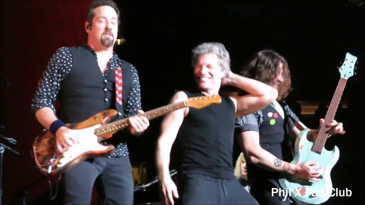 Phil X With Bon Jovi At Madison Square Garden April 13 2017 God Bless This Messess Thi Mess