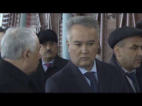 Узбекистан прислал Таджикистану муку, антисептики и защитные средства