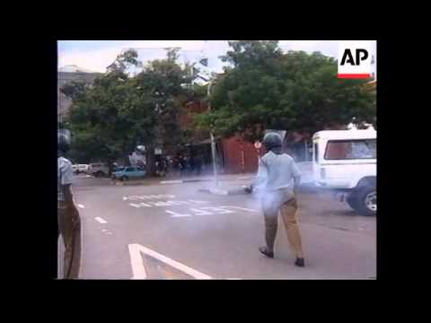 ZIMBABWE: HARARE: ONE DAY STRIKE TURNS VIOLENT