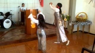"""danza de """" no hay paredes """" Jesús Adrián"""