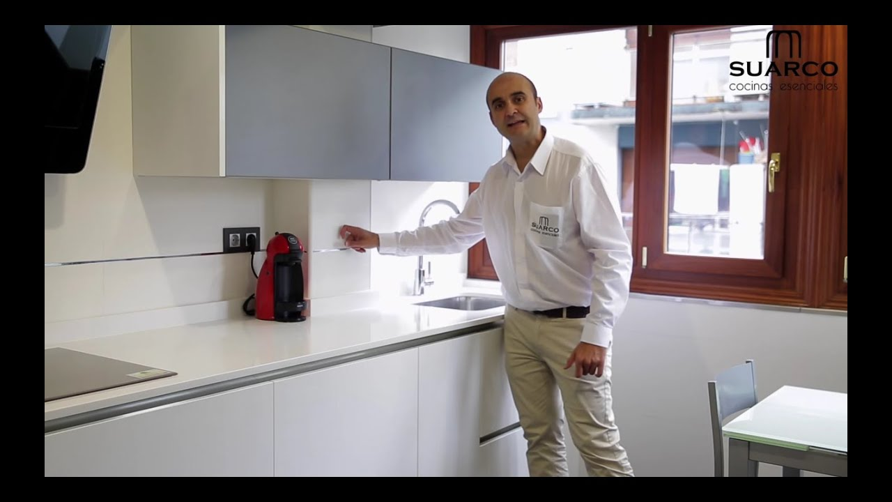 video cocinas pequeas modernas blancas 2015 con encimera