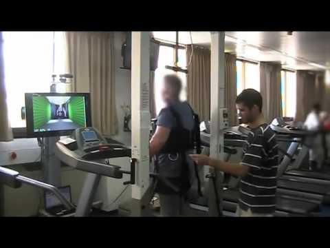 treadmil walking with virtual reality