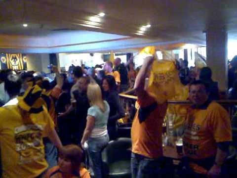 Wolves Fans singing the liquidator and alan dunn doing the pensnett leg