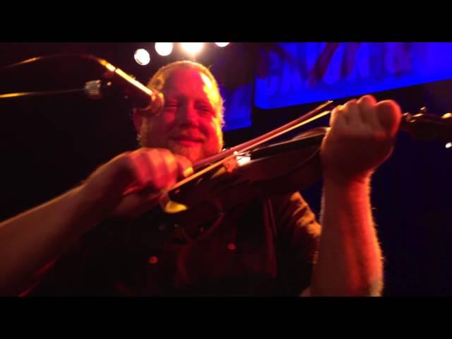 Racines Trio avec Steve Riley - Parlez nous a boire