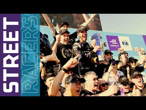 Oliver Rowland Presents From New York City! | Formula E Street Racers S5 Episode 18