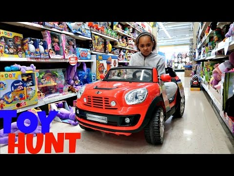Thumbnail: Toy Hunt At Toys R Us Shopkins Season 6 - Razor Flash Rider 360 Scooter | Toys AndMe