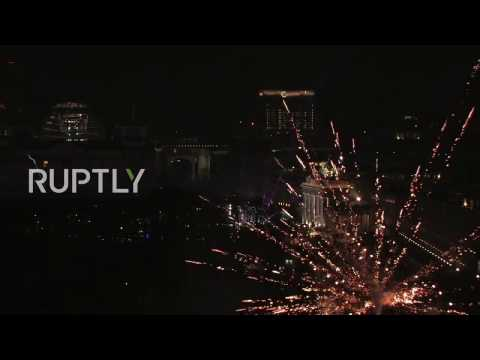 LIVE: New Year's Eve fireworks show lights up Berlin