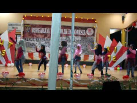 sherina -  bermain musik (dance by sheila's crew) Mp3
