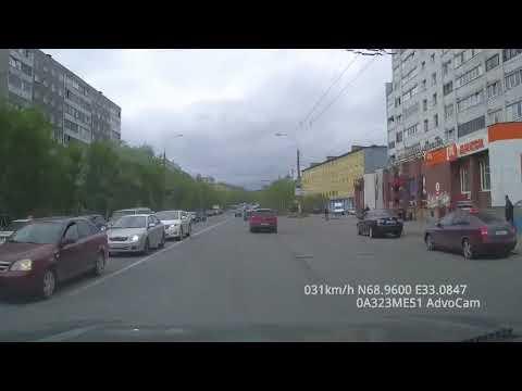 В сети появилось видео аварии на Полярных Зорях