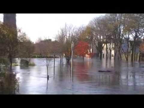 Flooding in ballinasloe  ( IRLANDA )   20-11-2009