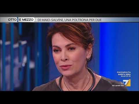 Elena Sofia Ricci: 'Ho cercato di entrare in punta di piedi nei panni della Signora Lario. Il ...
