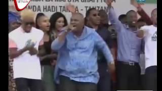 Makonda Na Ruge Wakiimba Pamoja Tanga