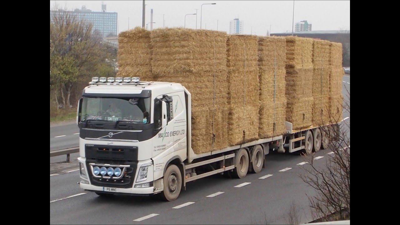 TRUCKS LORRY WAGON RIG WITH HAY/STRAW LOAD - YouTube