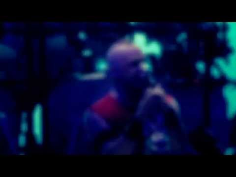 Five Finger Death Punch - Intro + Under And Over It (Live) mp3