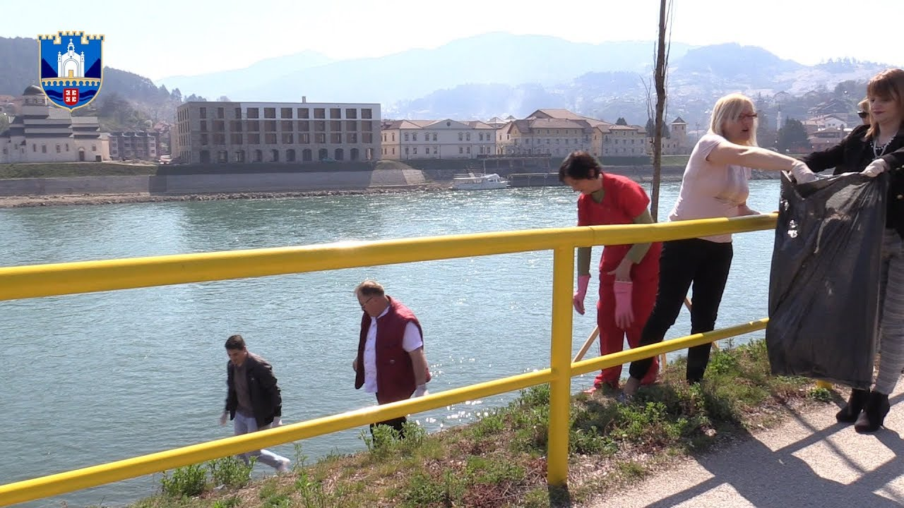Rezultat slika za U jednodnevnoj akciji uređenja opštine Višegrad više od 200 ljudi