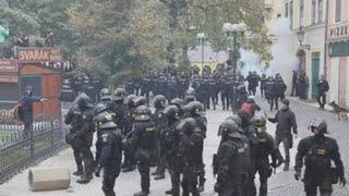 Disturbios en el centro de Praga por la suspensión del fútbol por la covid