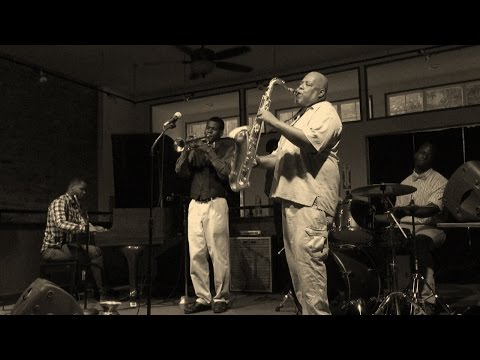Charlie Parker - Now's the Time (Cowell Brotet)