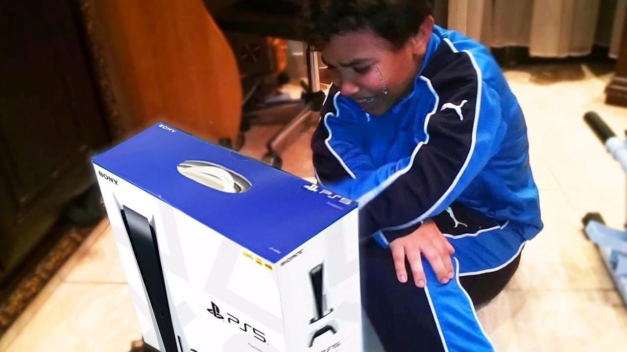 Download Kid gets a FAKE PS5 for Birthday..