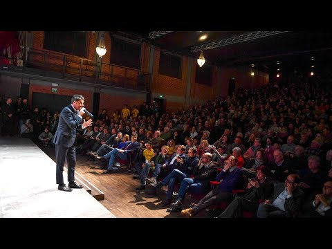 Matteo Renzi al Teatro Parenti di Milano