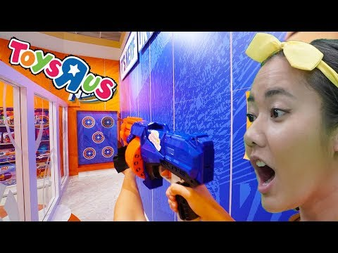 Toys R Us Is Back!  Ellie Sparkles Shopping Adventure To Find Pirate Treasure