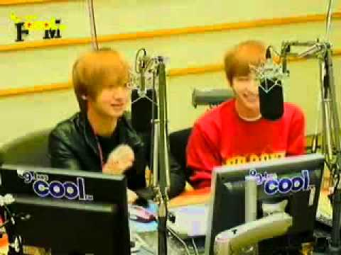 [cut] 110307 Yesung singing a short part of Namhansansung @ Kiss The Radio