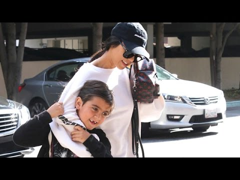 Kourtney Kardashian Cool And Casual In Calabasas