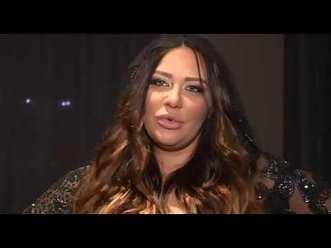 EKSKLUZIVno - Ana Nikolić:'Bilo mi je teško da pevam seksi pesmu sa velikim stomakom' - 03.01.2018.
