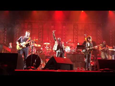 Mumford and Sons ft. Baaba Maal - Si Tu Veux (Live From Amsterdam may 23th)
