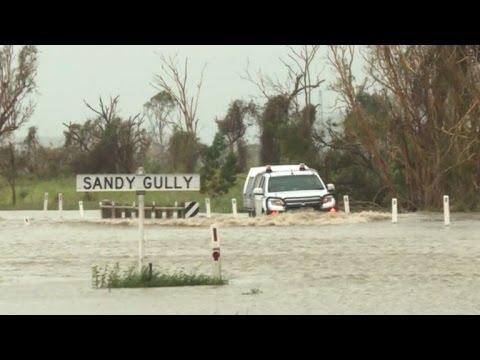 L'Australie mobilise l'armée après le cyclone Debbie
