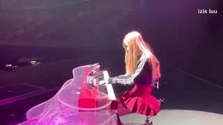 Blacpink Rose Piano playing with - Camera man Jisoo-