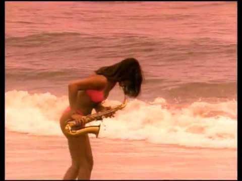 Wrecks N Effect Rump Shaker Offical Music Video