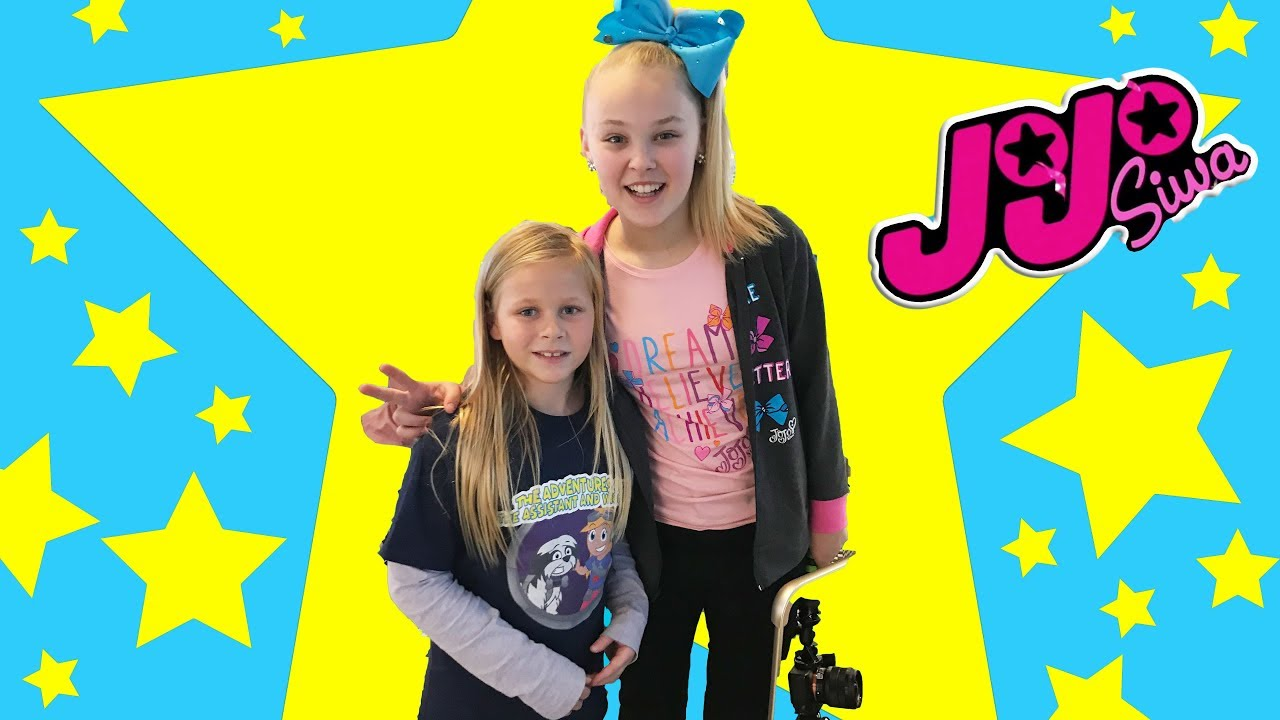 9d3e034550c83 Assistant Meets JoJO Siwa and Goes on a Roller Coaster Treasure Hunt ...